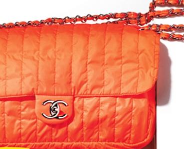 a13e37ff6cff7 Chanel'den katlanabilen naylon çanta.